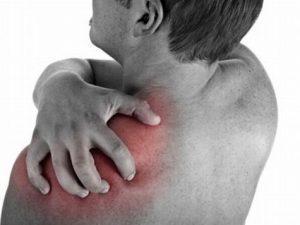 Боль в плечевом суставе: причины и лечение