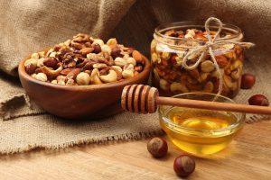Как употреблять мед и грецкие орехи для потенции: рецепты и советы
