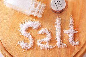 Лечение суставов морской и поваренной солью — рецепты и предостережения